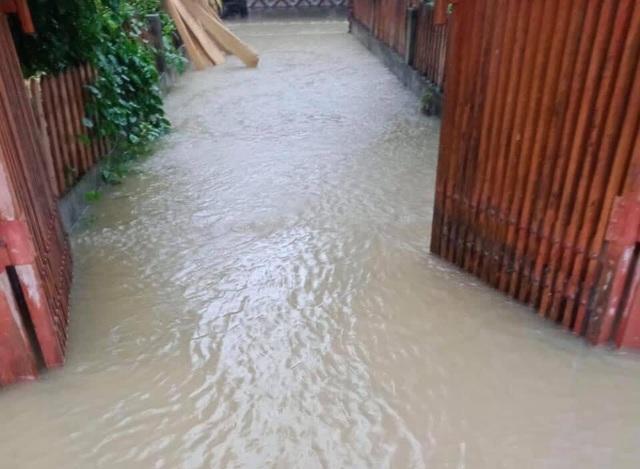 Mưa lớn do bão số 9, Hà Tĩnh ngập trở lại - Ảnh 3.