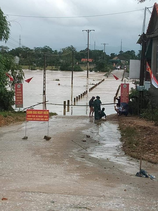 Mưa lớn do bão số 9, Hà Tĩnh ngập trở lại - Ảnh 6.