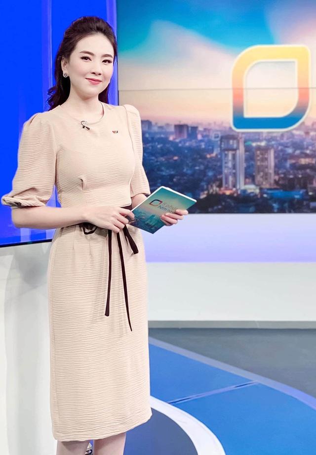 Khoe mặc váy đôi với nữ thần Hàn Quốc, Mai Ngọc hóa quý cô thời thượng đẹp chẳng thua - Ảnh 18.