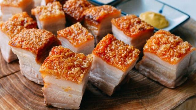 Những loại thịt đã được chuyên gia cảnh báo có thể phá hủy collagen nhanh bậc nhất, khiến chị em già nua chảy xệ và tăng nguy cơ mắc bệnh xương khớp - Ảnh 2.