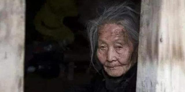 """Khốn khó cả đời, khi chết đi để lại gia tài bạc tỷ và câu chuyện đau nhói về cụ bà """"hồn ma"""": Sống không có gì ngoài nỗi thương nhớ chồng con! - Ảnh 5."""