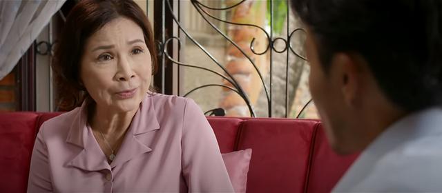Trói buộc yêu thương tập 24: Bà Lan tiết lộ với Khánh là có tình cảm thật với ông Phong - Ảnh 3.