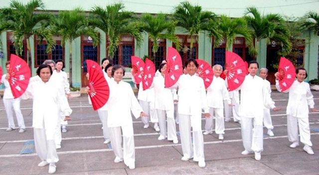Chính sách để thích ứng với già hóa dân số ở Việt Nam - Ảnh 1.
