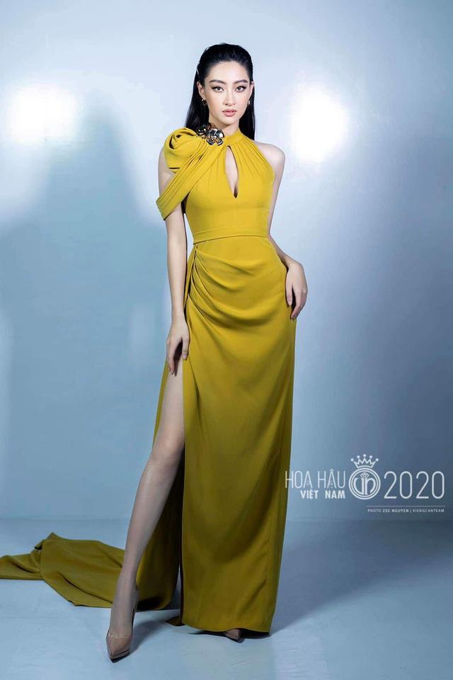 Vòng 1 ăn đứt đàn chị, Hoa hậu 2K còn là nàng thơ của NTK Việt nhờ đôi chân 1,22m - Ảnh 2.