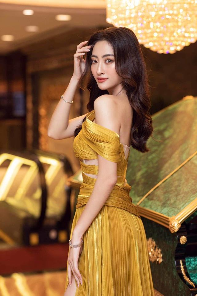 Vòng 1 ăn đứt đàn chị, Hoa hậu 2K còn là nàng thơ của NTK Việt nhờ đôi chân 1,22m - Ảnh 17.