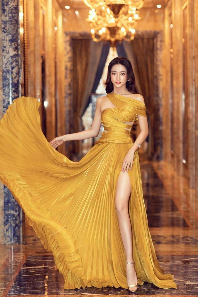 Vòng 1 ăn đứt đàn chị, Hoa hậu 2K còn là nàng thơ của NTK Việt nhờ đôi chân 1,22m - Ảnh 18.