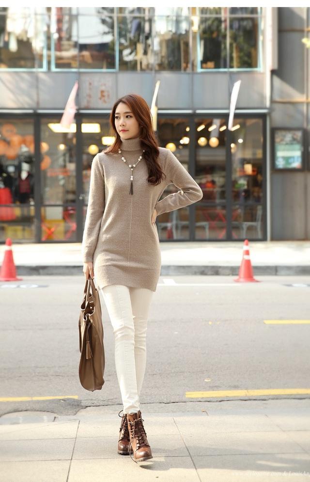 3 cách phối áo len chất lừ mùa thu đông 2020, những cô nàng quê mùa nhất cũng có thể dễ dàng thực hiện thành thạo - Ảnh 10.