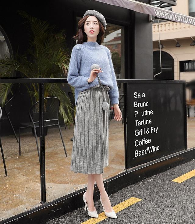 3 cách phối áo len chất lừ mùa thu đông 2020, những cô nàng quê mùa nhất cũng có thể dễ dàng thực hiện thành thạo - Ảnh 13.