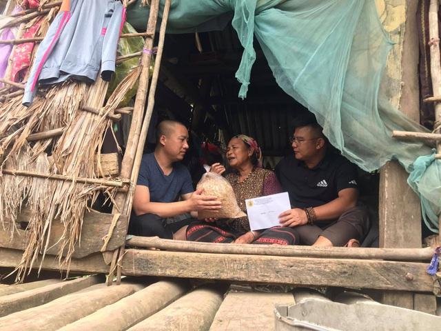 Cận cảnh hành trình đưa gần 300 triệu đồng tới với đồng bào vùng xa, nhiều nơi vẫn còn bị cô lập ở Quảng Bình và Quảng Trị - Ảnh 16.