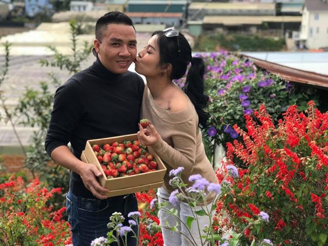 Khoảnh khắc lãng mạn của vợ chồng MC Hoàng Linh VTV - Ảnh 11.