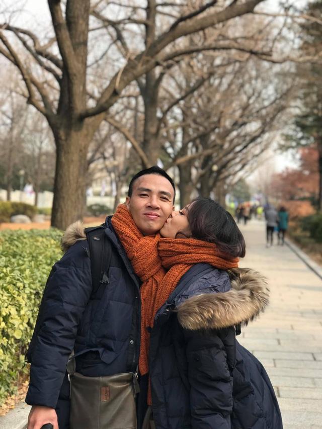 Khoảnh khắc lãng mạn của vợ chồng MC Hoàng Linh VTV - Ảnh 7.