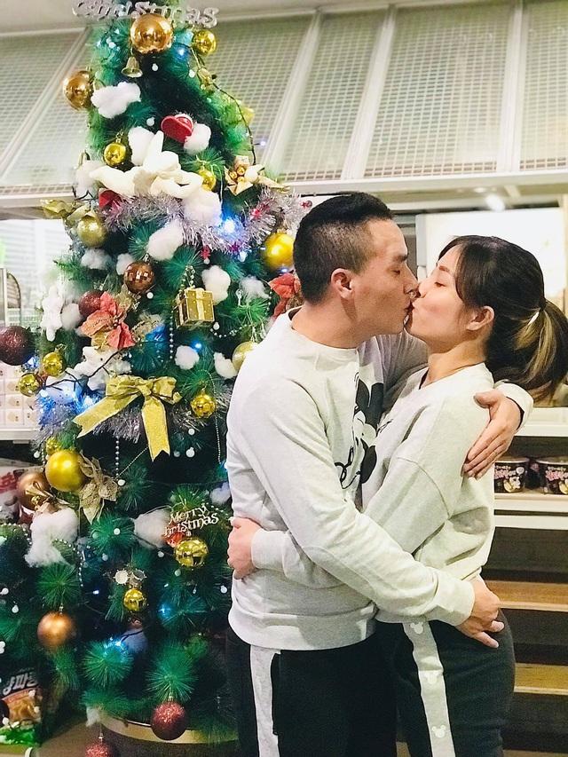 Khoảnh khắc lãng mạn của vợ chồng MC Hoàng Linh VTV - Ảnh 9.