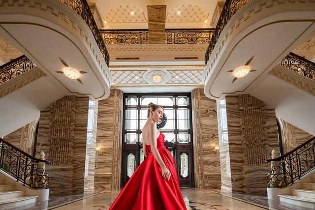 Không dành cho 99,9875% người Việt, có gì bên trong căn hộ cung điện đá D'. Palais Louis? - Ảnh 1.