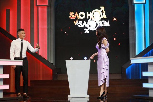 Công Vinh - Thủy Tiên tranh luận về chuyện ngoại tình - Ảnh 1.