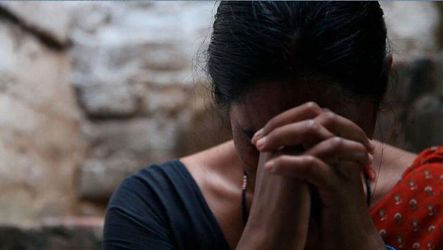 Cô gái Ấn Độ tự vẫn vì bị thầy bói phán không thể có con - Ảnh 2.