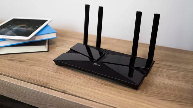 Những đồ vật không nên nằm cạnh bộ phát sóng Wi-Fi - Ảnh 1.