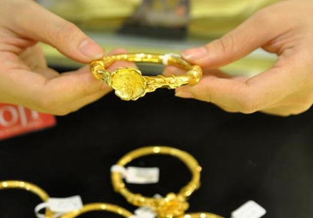Giá vàng hôm nay 20/11: Vàng trong nước tăng khiến mức chênh lệch với thế giới ngày càng khủng - Ảnh 1.