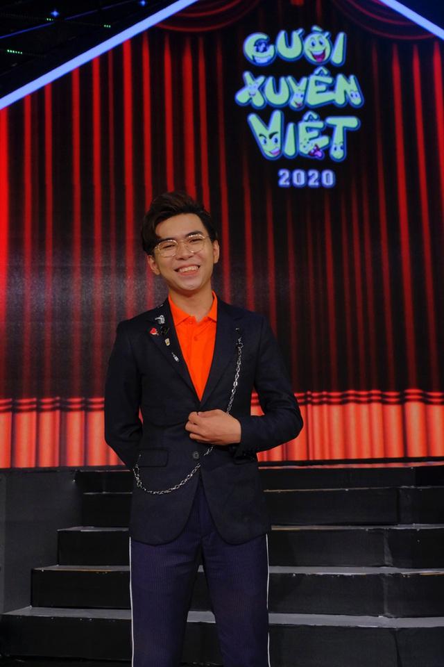 Hết làm trợ giảng ở trường Đại học, Minh Dự lại lấn sân MC trong Cười xuyên Việt - Ảnh 1.