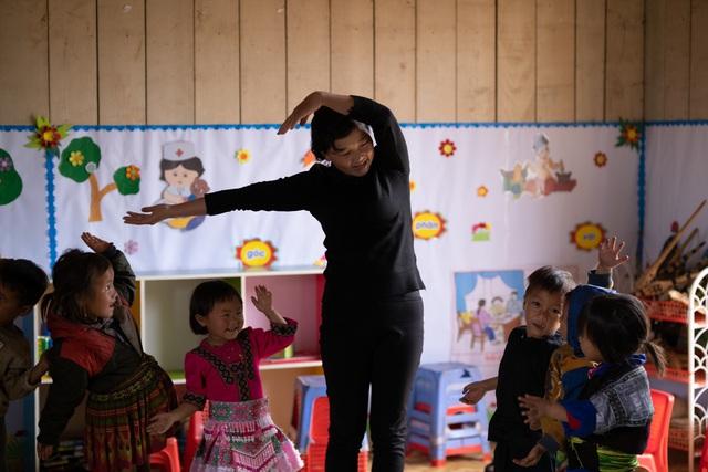 Lớp học của 2 cô giáo và 31 đứa trẻ trên đỉnh Mù Cang Chải - Ảnh 20.