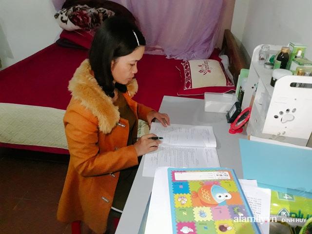 Chuyện của những lớp học trên mây ở Thu Lũm: Cô giáo băng rừng, vượt suối bắt trẻ đi học, cô hổn hển trò tèm lem nước mắt theo cái chữ, con tương lai - Ảnh 31.