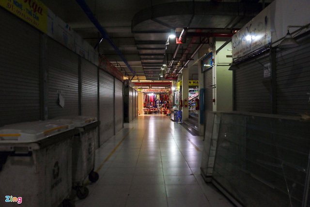 Chợ Đầm Nha Trang ế khách, tiểu thương rao bán sạp hàng loạt - Ảnh 9.
