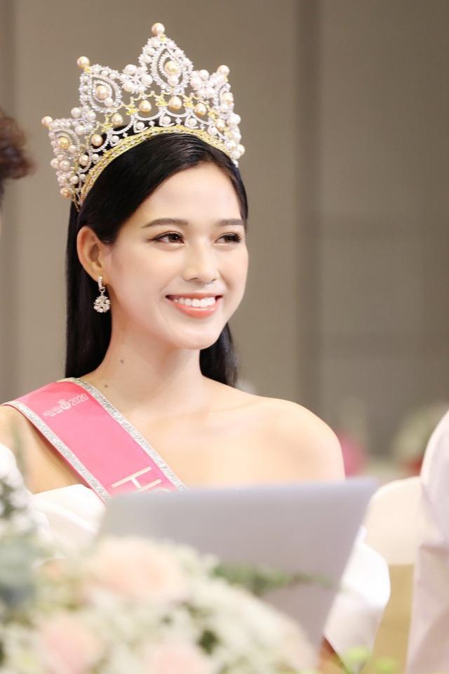 BTC Hoa hậu Việt Nam 2020 và Tân Hoa hậu nói gì về những hạt sạn đêm chung kết và nghi vấn mua giải? - Ảnh 8.