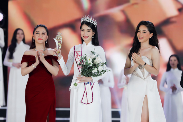 Phần thi ứng xử của Tân Hoa hậu Đỗ Thị Hà được cho là chưa thuyết phục - Ảnh 5.