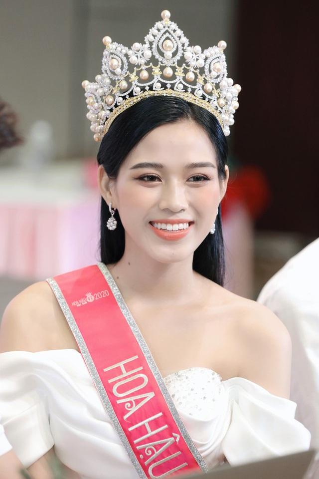 BTC Hoa hậu Việt Nam 2020 và Tân Hoa hậu nói gì về những hạt sạn đêm chung kết và nghi vấn mua giải? - Ảnh 7.