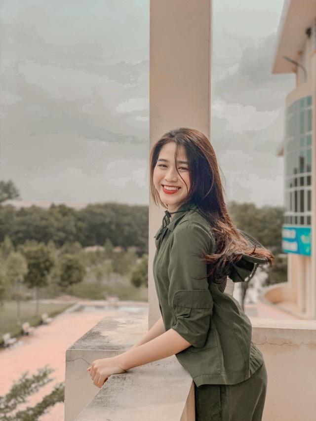 Nhan sắc mộc mạc và nụ cười hút hồn của Tân Hoa hậu Việt Nam 2020 - Ảnh 5.