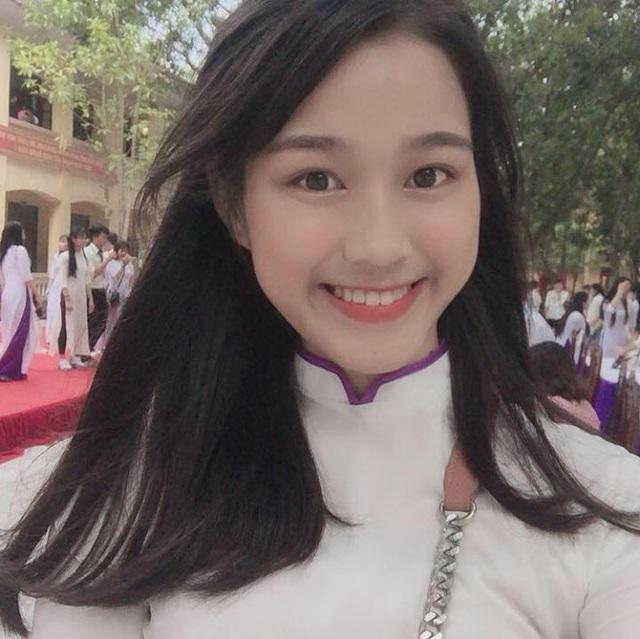 Nhan sắc mộc mạc và nụ cười hút hồn của Tân Hoa hậu Việt Nam 2020 - Ảnh 14.