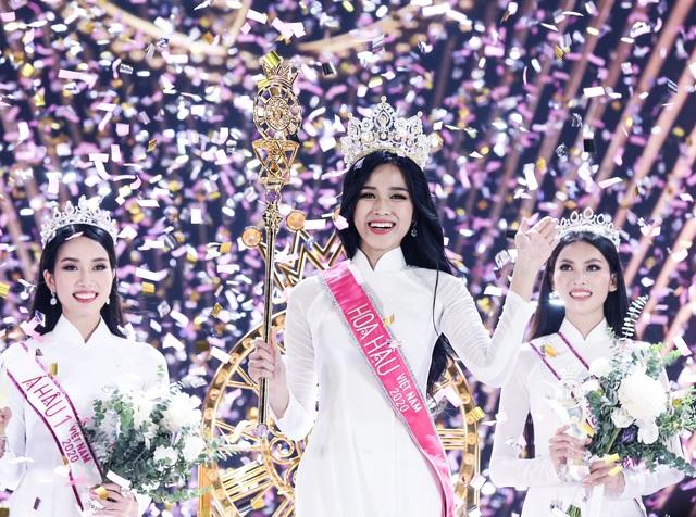 Nhan sắc mộc mạc và nụ cười hút hồn của Tân Hoa hậu Việt Nam 2020 - Ảnh 2.