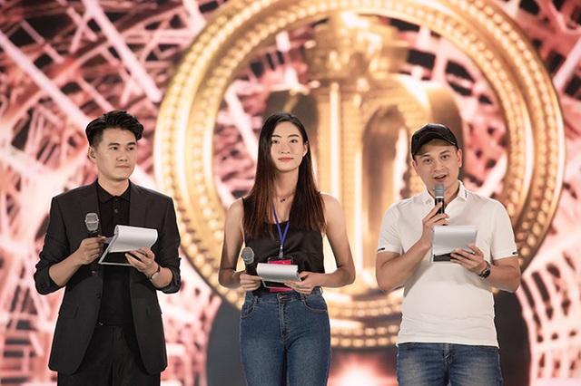 Chung kết Hoa hậu Việt Nam 2020 mất điểm với nhiều hạt sạn không đáng có - Ảnh 3.