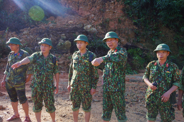Toàn cảnh cuộc ngăn đập, nắn dòng Rào Trăng 3 tìm kiếm 12 người đã mất tích hơn 1 tháng - Ảnh 2.