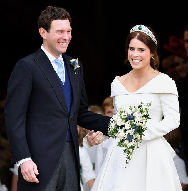 Đúng dịp kỷ niệm 73 năm ngày cưới của Nữ hoàng Anh, nhà Meghan Markle cố tình chiếm spotlight bằng thông tin gây xôn xao dư luận - Ảnh 3.