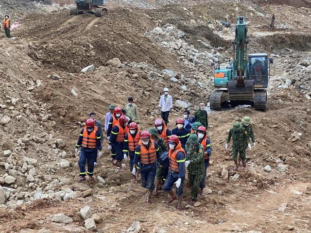 Tìm kiếm 12 công nhân mất tích ở Rào Trăng 3, thấy thêm 1 thi thể - Ảnh 1.