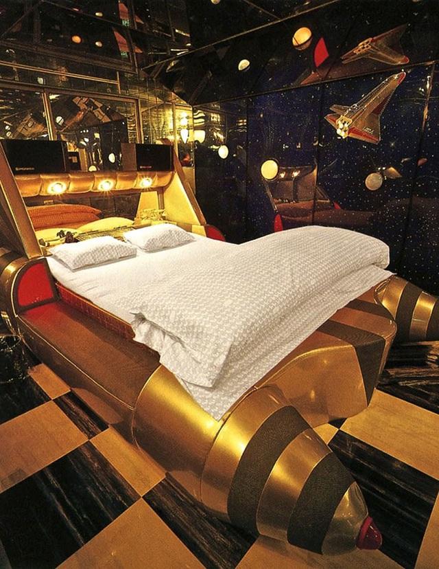 Vì sao khách sạn tình yêu ở Nhật Bản đắt khách trở lại? - Ảnh 2.