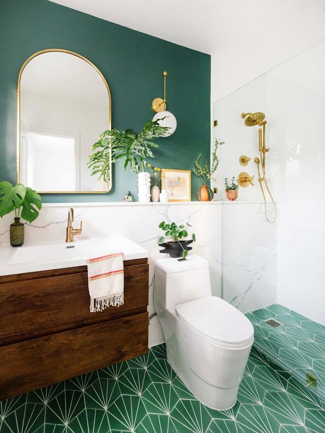 Phòng tắm nhỏ khiến nhiều người choáng váng vì lột xác quá đỉnh sau cải tạo - Ảnh 3.