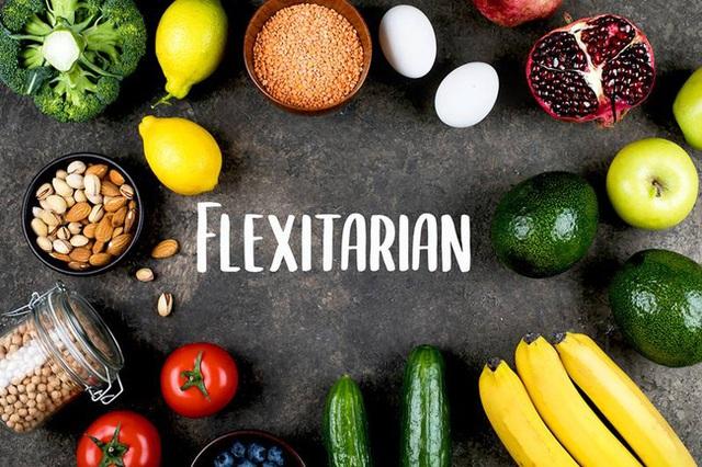 Ăn kiêng linh hoạt: Đây là những thực phẩm nên ăn và nên tránh bạn cần nắm rõ - Ảnh 3.