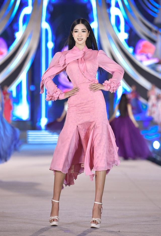 Vân Ly - từ tiếp viên hàng không đến Top 10 Hoa hậu Việt Nam - Ảnh 10.