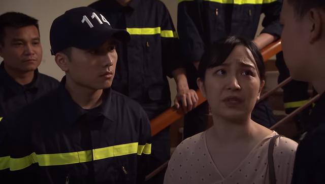 Lửa ấm tập 39: Tiểu tam quyết phá nát gia đình bạn thân khi dụ dỗ Minh sang nước ngoài cùng mình - Ảnh 3.