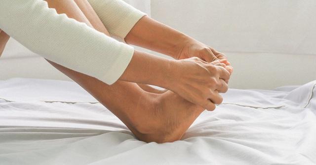 5 bí kíp giúp chân không bị nứt toác khô tróc mùa Thu Đông - Ảnh 3.