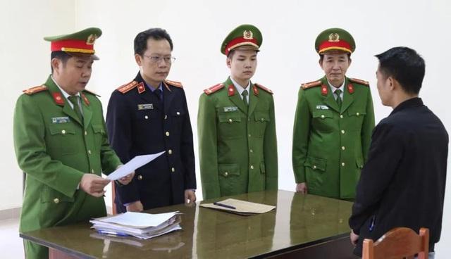 Quảng Bình: Khởi tố kẻ chiếm đoạt hàng cứu trợ vùng lũ - Ảnh 1.