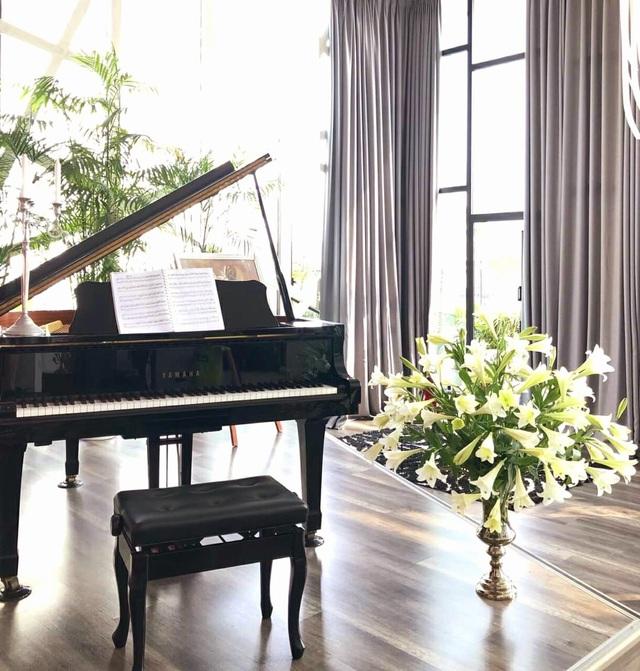 Không gian sống nhà trong vườn đầy lãng mạn của ca sĩ Thùy Dung - Ảnh 3.