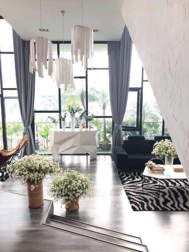 Không gian sống nhà trong vườn đầy lãng mạn của ca sĩ Thùy Dung - Ảnh 2.