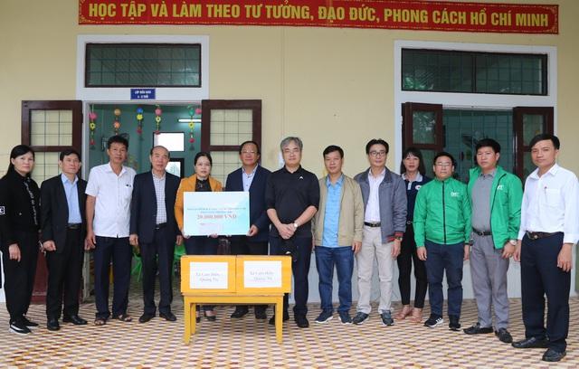 Báo Gia đình và Xã hội cùng các nhà tài trợ chia sẻ khó khăn với người dân vùng lũ Quảng Trị - Ảnh 7.