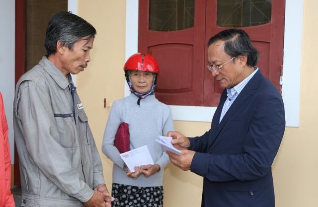 Báo Gia đình và Xã hội cùng các nhà tài trợ chia sẻ khó khăn với người dân vùng lũ Quảng Trị - Ảnh 3.
