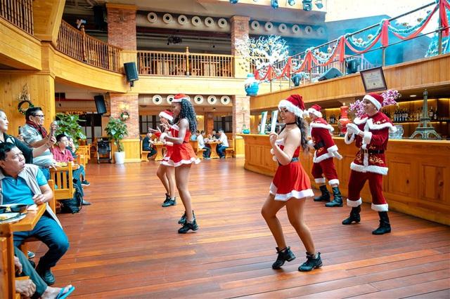 Mùa Giáng sinh 2020 tại Sun World Ba Na Hills sẽ kéo dài đến 31/12 - Ảnh 3.