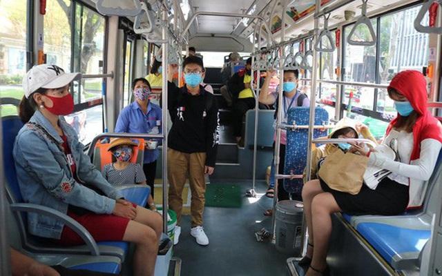 Từ chối phục vụ hành khách không đeo khẩu trang đi xe khách, xe buýt - Ảnh 1.