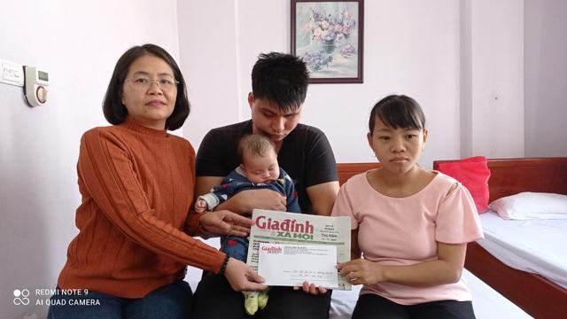 Bé gái 3 tháng tuổi của đôi vợ chồng mù nguy cơ hỏng hai mắt - Ảnh 3.