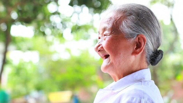Sức khỏe đường ruột của cụ bà 103 tuổi tương đương với người 30 tuổi, 6 bí quyết sống thọ đơn giản ai cũng có thể áp dụng - Ảnh 1.